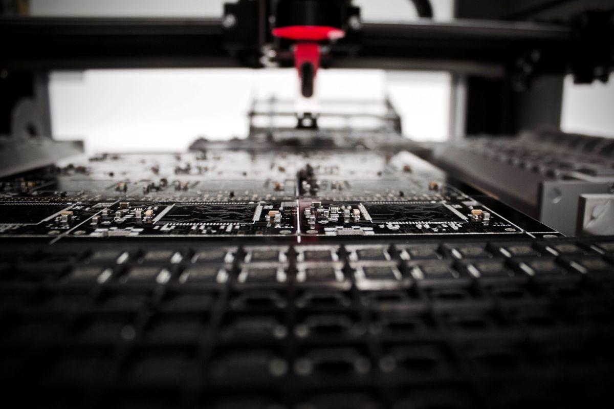 Manufacturing louis-reed-wSTCaQpiLtc-unsplash