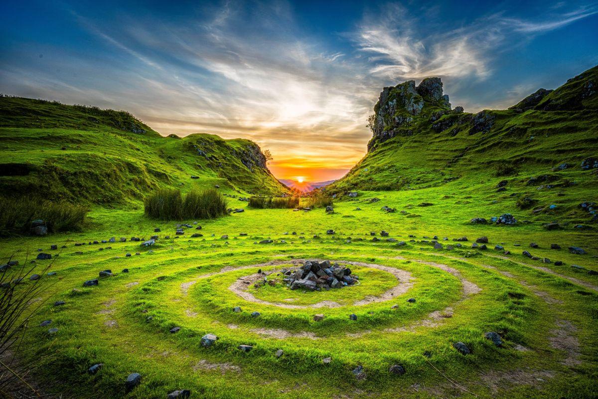 scenery robert-lukeman-_RBcxo9AU-U-unsplash